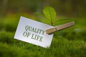 کیفیت زندگی در کشور مغفول مانده است/آماده همکاری با دانشجویان هستیم